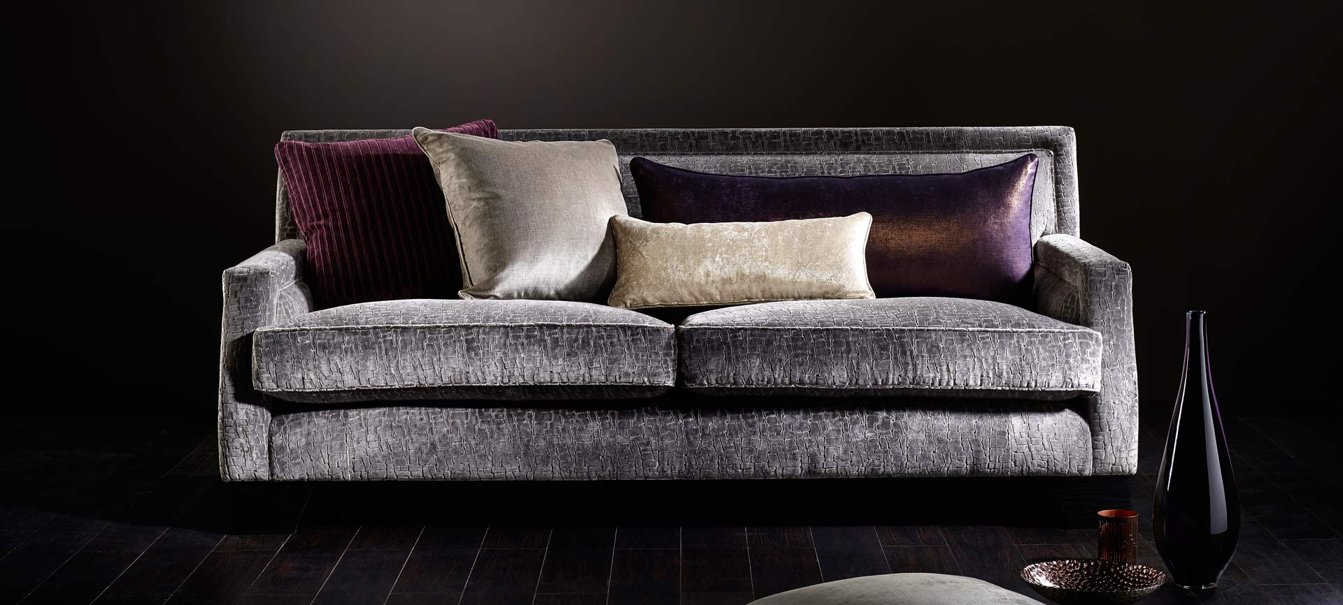 Andre Upholstery - upholstered sofa with cushions